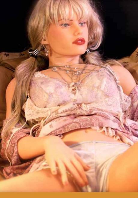 DDC X-TREME Love Doll Model